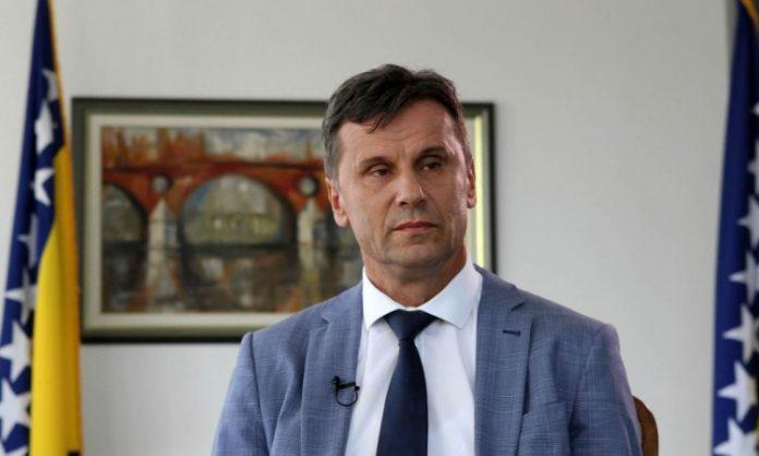 Novalić čestitao inžinjerima kompanije TMD Group iz Gradačca